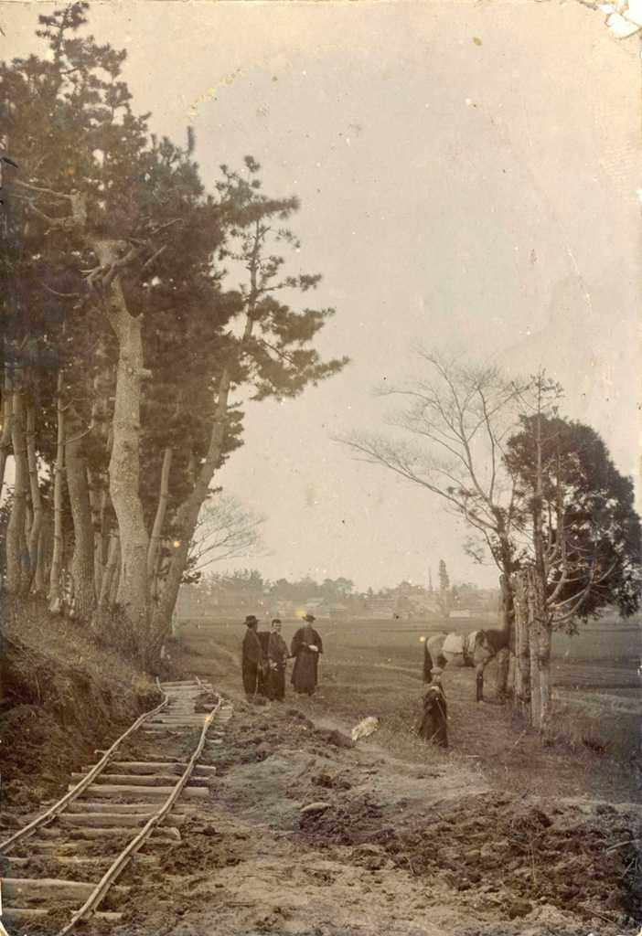 津島高等学校の歴史写真 中地堤防下の通学路拡張工事