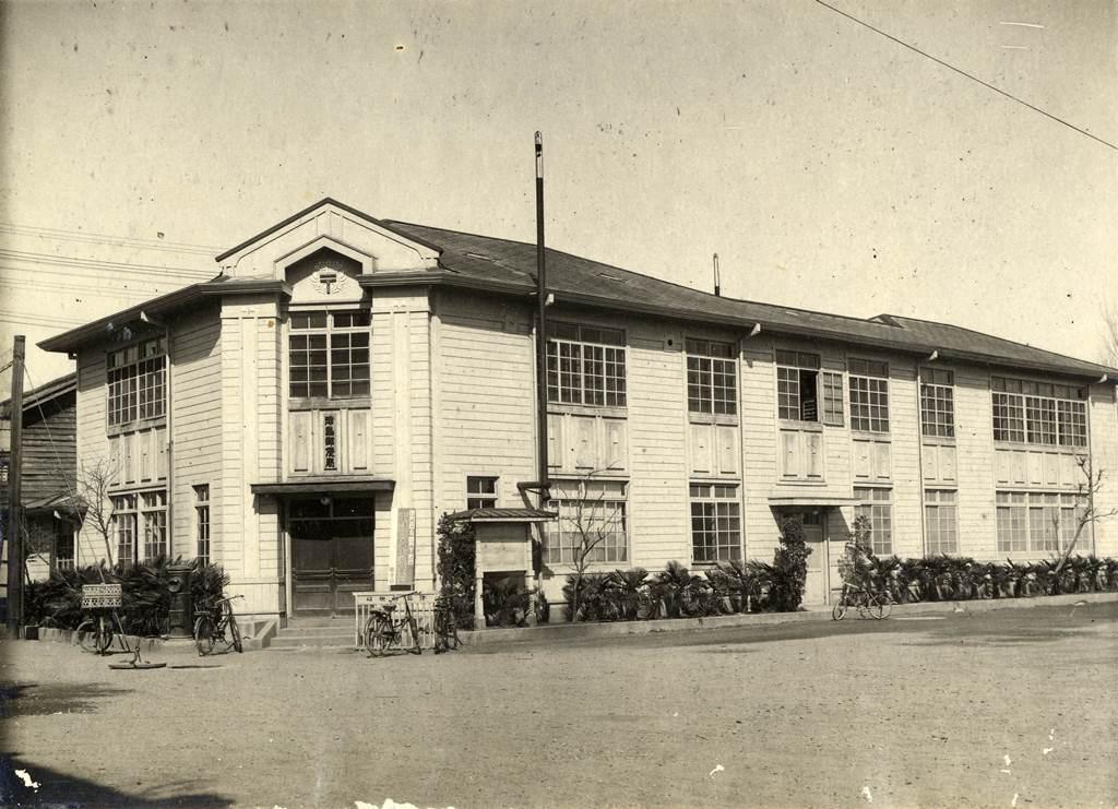 街中の風景 津島の郵便局 大規模に増築した津島郵便局
